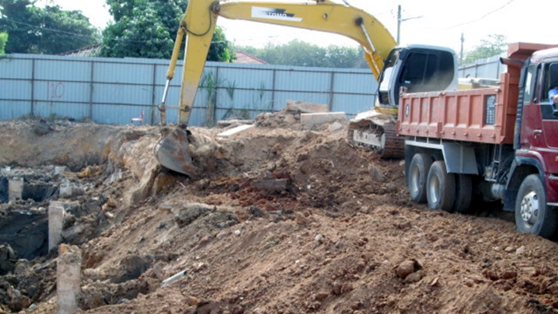 Feb 2015 - Ongoing earthwork. Earth excavation and exporting.